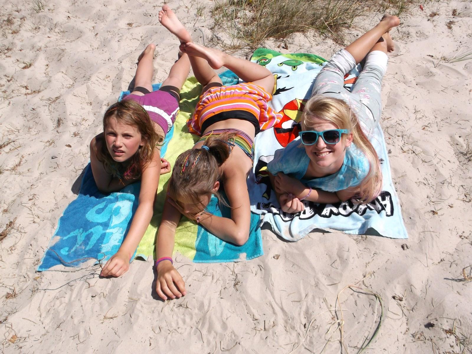 Kolonie letnie nad morzem – jak zapewnić dzieciom bezpieczeństwo?