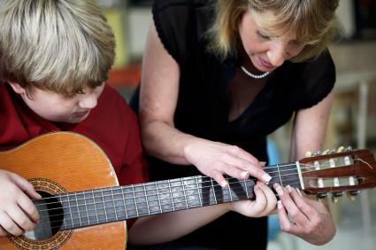 Kolonie gitarowe -z gitarą pod ręką