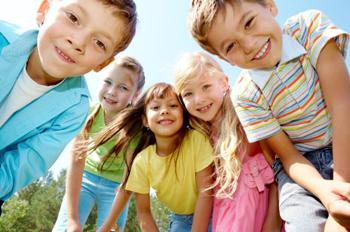 Kolonie letnie – od kiedy wysyłać dzieci pierwszy raz?
