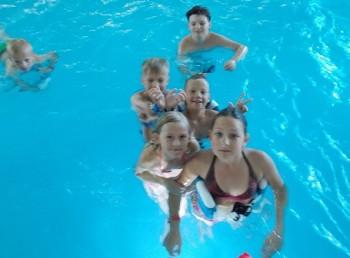 kolonie pływackie